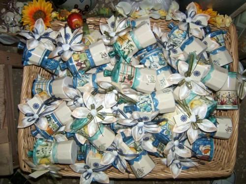 matrimonio in costiera amalfitana,mezzaluna bomboniere,confezioni e bomboniere,ceramica vietrese bomboniere,mezzaluna bomboniere vietri sul mare,bomboniere in fimo,segnaposto,dolcezze bomboniere,mezzaluna bombonierezaluna bomboniere