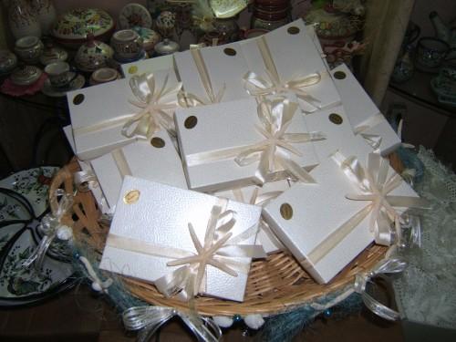 mezzaluna bomboniere promozione,confezioni e bomboniere,ceramica vietrese bomboniere,ceramica vietrese,mezzaluna vietri,mezzaluna bomboniere vietri sul mare,mezzaluna bomboniere,matrimonio in costiera amalfitana,matrimonio