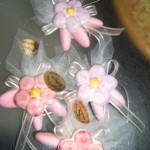 3 confetti + fiore magnete in ceramica