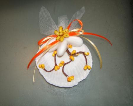 segnaposto conchiglia + 3 confetti